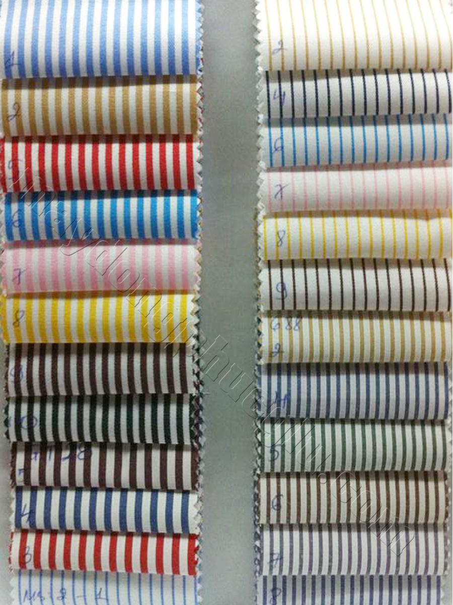 Vải Kate thường trắng với các sọc màu rộng (trái) và sọc màu mảnh (phải)