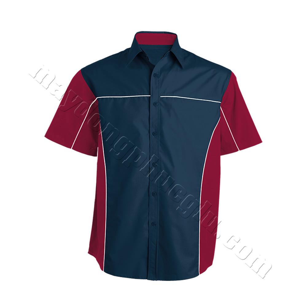 Sơ mi xanh đen phối đỏ, đường gân trắng ngang ngực và dọc thân áo