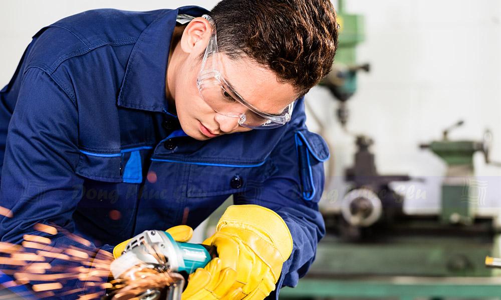Nhận may quần áo công nhân tại TPHCM cam kết giá tốt