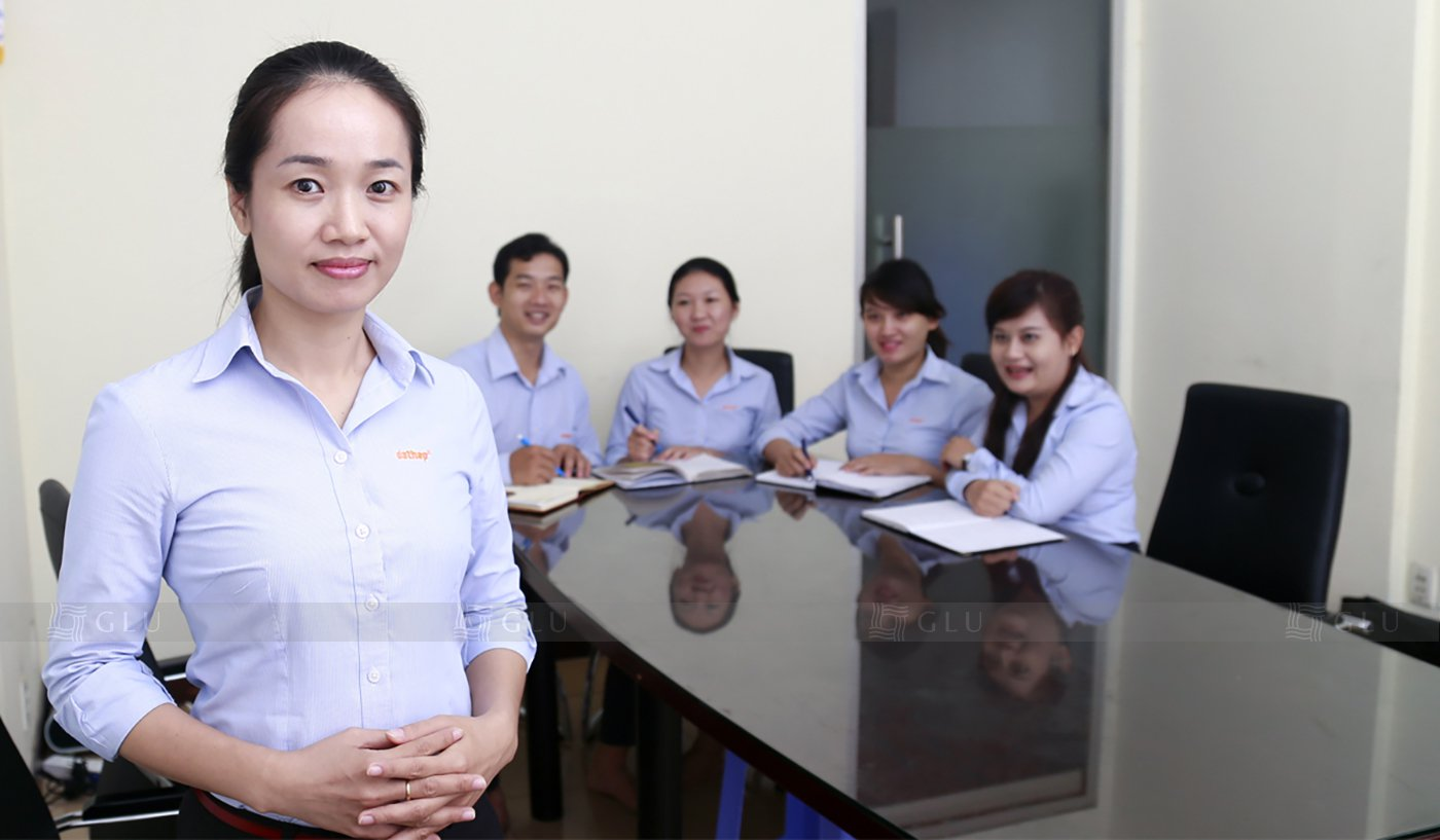 Banner ao dong phuc cong so GLU 05 áo đồng phục công ty đẹp