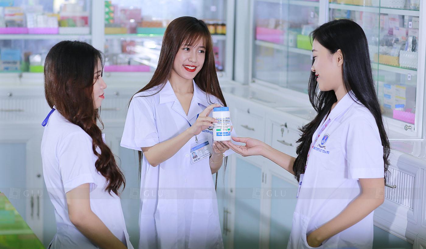 May đồng phục điều dưỡng y tá